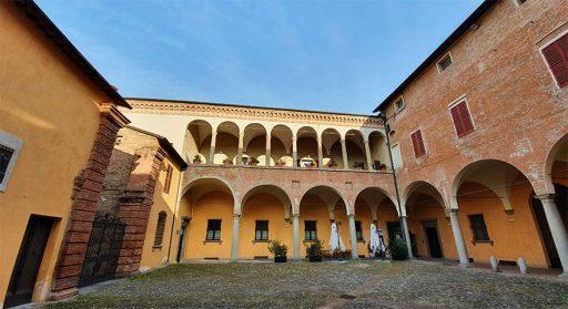 Palazzo Sassatelli poi Monsignani