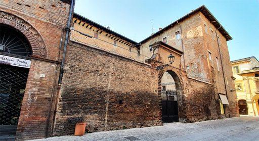 Palazzo Della Volpe